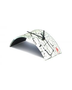 Crackled white table clock 10x28 cm